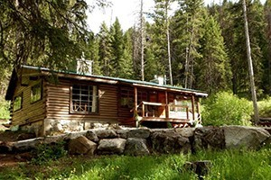 Sweet Sage Vacation Rentals - family lodges :: A small but hand-picked collection of vacation rental homes, family lodges and cabins throughout the Bitterroot Valley. Some are mountaintop, some riverside.